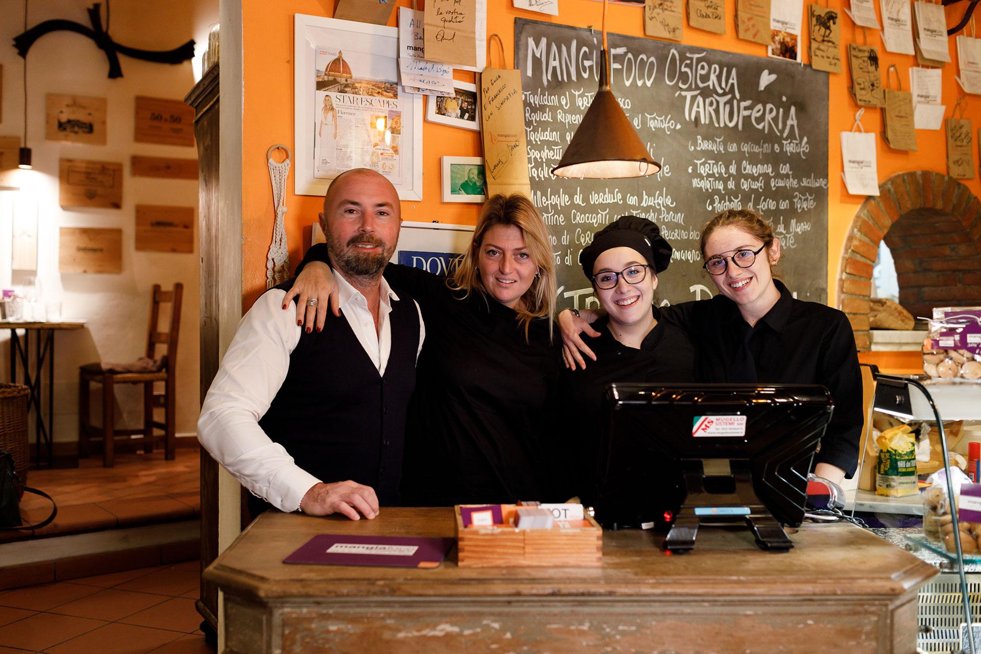 Lo staff Di Mangiafoco Osteria tartuferia a Firenze